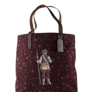 COACH TOTE WITH STARRY PRINT AND PRINCESS LEIA
